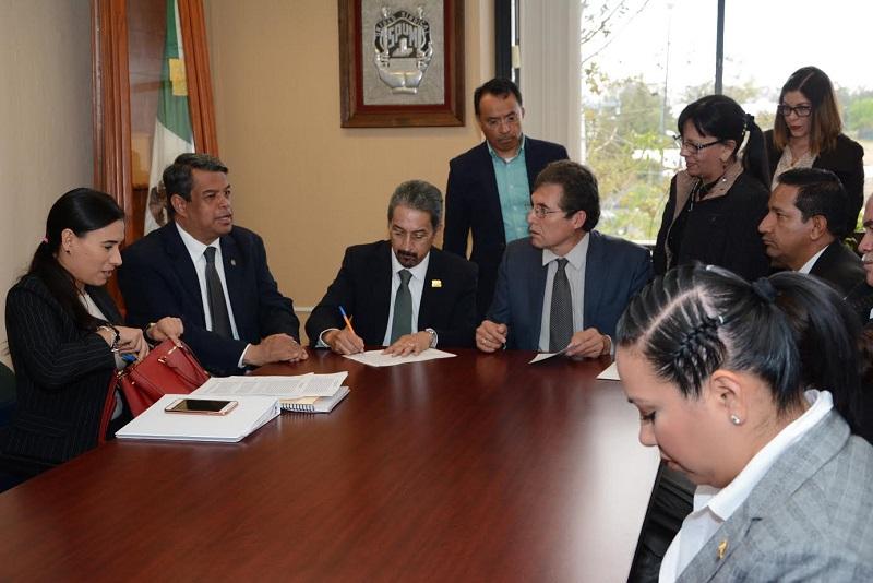 Asiste el rector de la UMSNH al cierre de las mesas de negociación 2017 con el Sindicato de Profesores de la Universidad Michoacana