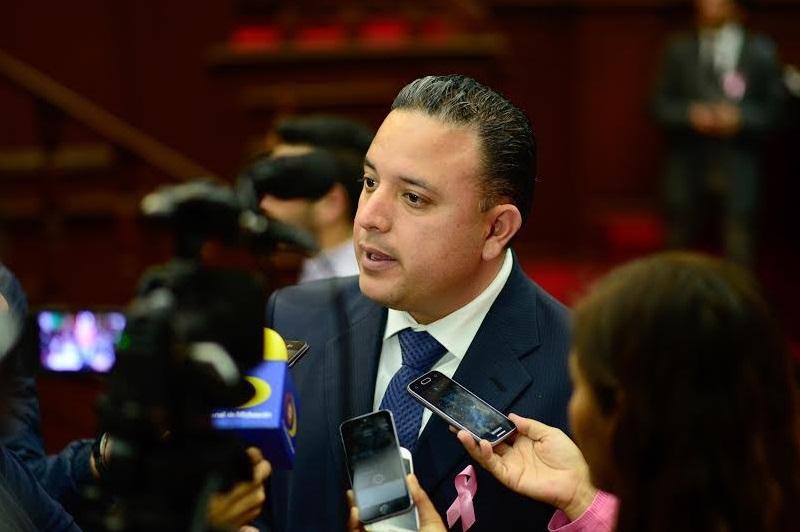 Quintana Martínez expresó su respaldo a todas las medidas que acuerden gobierno y los Clubes de Migrantes por la defensa de los michoacanos que radican en el vecino país del norte
