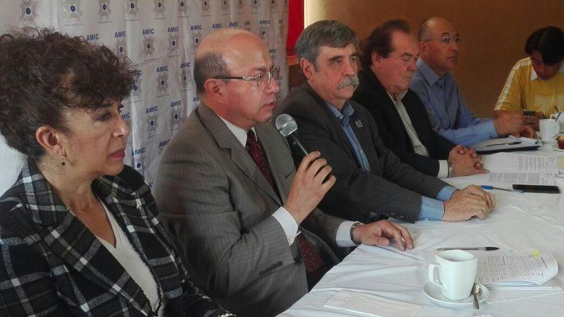 José Noguez Saldaña dio a conocer que se sigue combatiendo el tema de la informalidad pues en Michoacán de cada 10 empleos, 7 son informales, sin embargo, de acuerdo a la encuesta nacional de ocupación y empleo, en el 2016 en Michoacán hubo un incremento de 12 mil empleos totalmente formalizados comparados con 2015