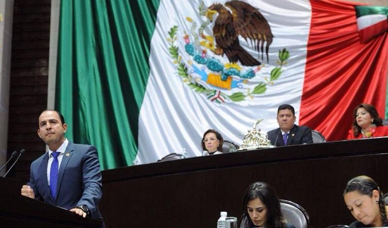 Entre las siete propuestas presentadas en tribuna por el coordinador de la bancada panista, Marko Cortés, destacan la reducción del financiamiento público a los partidos políticos, pero aumentar el privado de 10 al 30 por ciento
