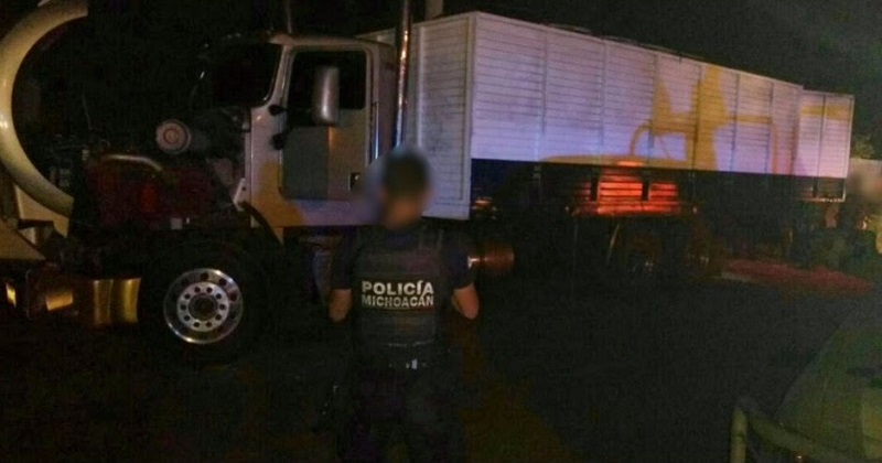 Los vehículos, presuntos implicados, droga y armas de fuego y gasolina fueron puestos a disposición de la autoridad competente