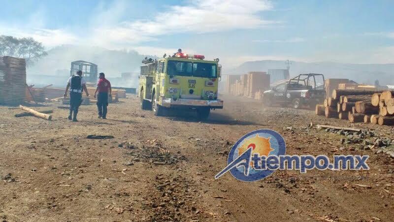 El incendio fue atendido por la Asociación de Bomberos del Estado de Michoacán, Delegación Ciudad Hidalgo, así como por Bomberos Forestales, la Brigada 410 de la Conafor y la Policía Municipal (FOTOS: FRANCISCO ALBERTO SOTOMAYOR)