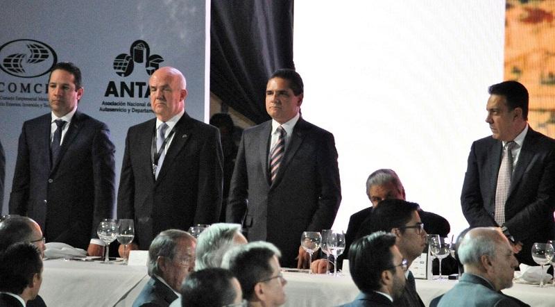 En el evento, el presidente Enrique Peña Nieto tomó protesta a Juan Pablo Castañón Castañón como presidente del CCE para el periodo 2017-2018