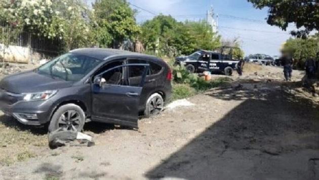 Como resultado del ataque a los elementos policiales, la unidad oficial con número económico 05-257 resultó dañada con tres impactos de bala: dos en el medallón y uno en el stop