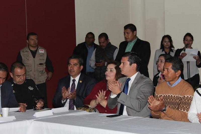 En esta reunión, la secretaría de Contraloría, Silvia Estrada Esquivel expuso sobre las acciones que se realizan en la entidad en materia de Gobierno Abierto, en tanto el titular de la SSP se refirió a las acciones que esa área realiza