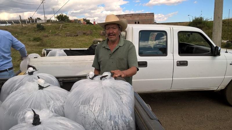 El Ayuntamiento de Morelia, ha enfocado también sus esfuerzos para capacitar a los habitantes del medio rural para la producción y venta de peces, estrategia apoyada también por la Comisión de Pesca de Michoacán COMPESCA, SAGARPA, CESAMICH Y el Sistema Producto Trucha