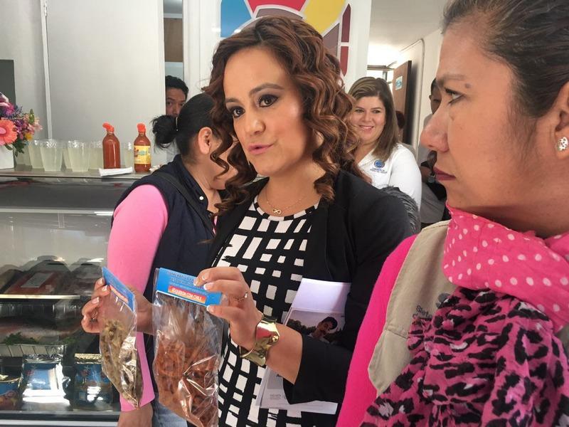En el evento estuvieron presentes Fabiola Alanís Sámano, titular de Seimujer; Rocío Beamonte Romero, presidenta del DIF estatal; Gabriela Molina Aguilar, titular del SMRTV y Antonio Ortega, titular de la Conapesca en Michoacán