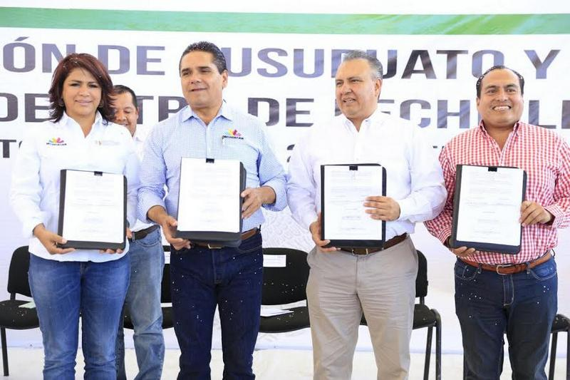 Con estas acciones se refrenda el compromiso del Gobierno de la República del Presidente Enrique Peña Nieto de seguir trabajando de manera coordinada los tres órdenes de gobierno en favor de los Michoacanos