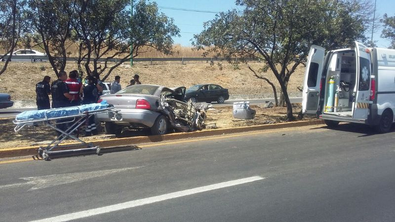 Al lugar arribaron cuerpos de emergencia para auxiliar a los lesionados, y de igual forma acudieron elementos de la policía Michoacán