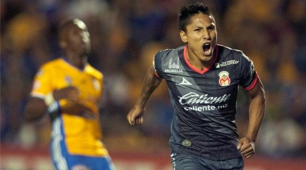 El peruano Raúl Ruidíaz a los 31', de penal, y André Pierre Gignac a los 71', fueron los goleadores de un partido donde Morelia lució más entregado por la victoria frente a un Tigres que ofreció algunos destellos, pero flojo en lo general