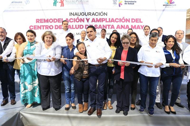 Con respecto al tema educativo, Aureoles Conejo adelantó que se destina una inversión por el orden de los 5 millones de pesos para la rehabilitación de 10 centros educativos del municipio