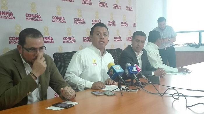 El dirigente estatal del PRD, Carlos Torres Piña, pidió a las autoridades federales no dejar solos a la autoridad estatal ni a la municipal