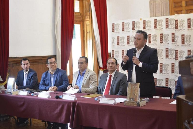 Quintana Martínez reiteró el compromiso de esta Legislatura para seguir avanzando y superar la brecha que en esta materia sigue permitiendo la violación sistemática de las garantías fundamentales de los michoacanos