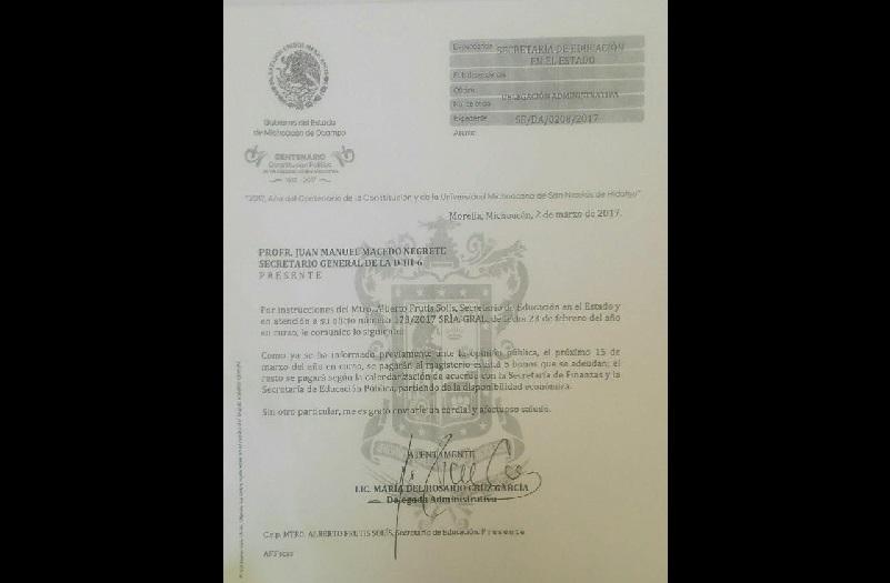 La decisión se da después de que Macedo Negrete pasó el tema a votación por segunda vez, ya que se logró el pago de compensaciones pendientes en varias áreas administrativas a partir del 15 de marzo (FOTO: MARCO ANTONIO PEREGRINO)