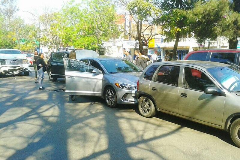 Se recomienda a automovilistas, trabajadores del volante y usuarios del transporte público, tomar las debidas precauciones (FOTOS: EXENI MORELIA)