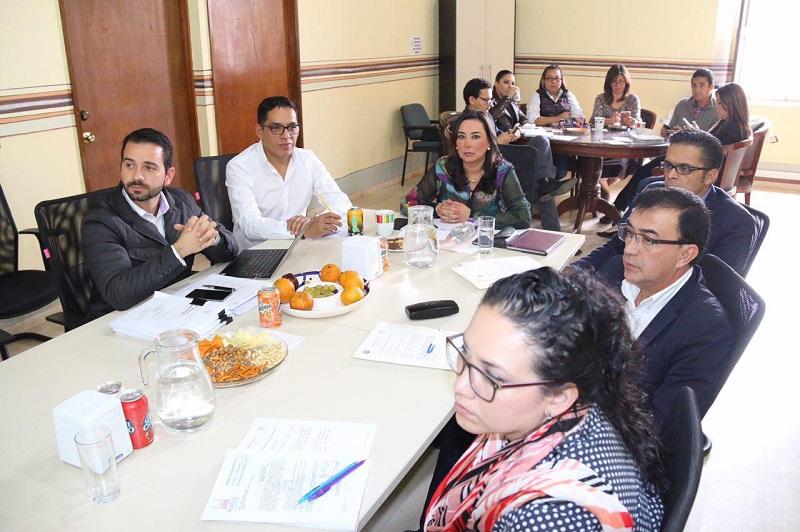 En sesión de trabajo de esta área de Cabildo estuvo como invitado el secretario de Administración, Yankel Benítez, a cargo de la exposición de los pormenores