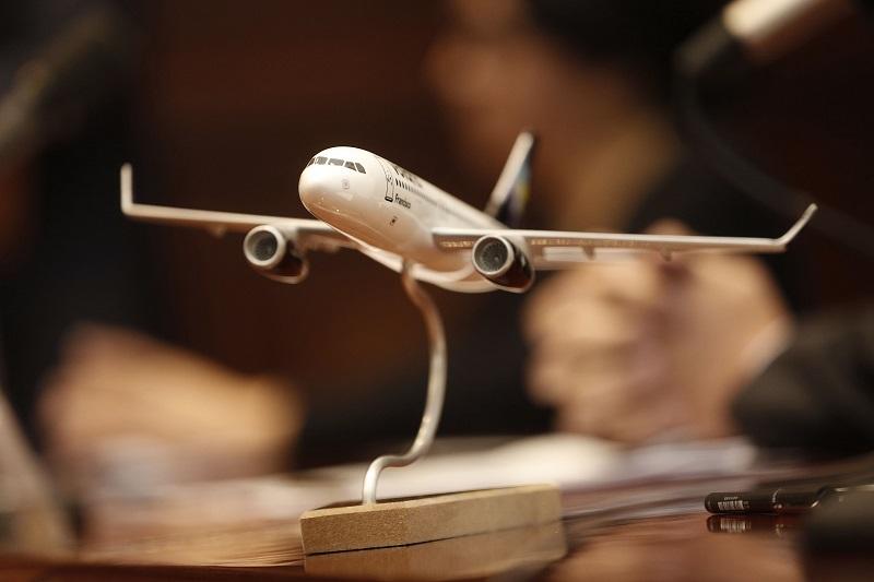 Acompañado por el director general de Volaris, Enrique Beltranena Mejicano, el mandatario estatal destacó que estos vuelos se suman a las nuevas inversiones de empresas globales y la ampliación de firmas ya establecidas en la entidad