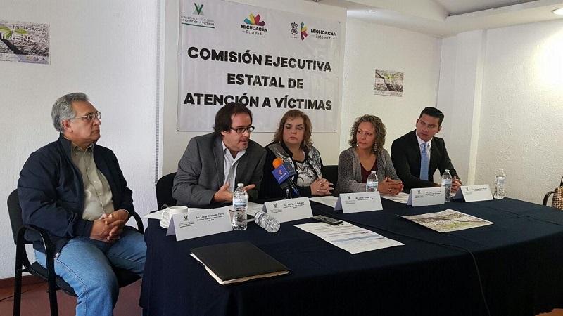 En el evento, la comisionada presidenta de la CEEAV, Selene Vázquez, aseguró que para este órgano es muy relevante participar en las jornadas de la mano del Colegio de Psicólogos de Michoacán y de la Facultad de Psicología