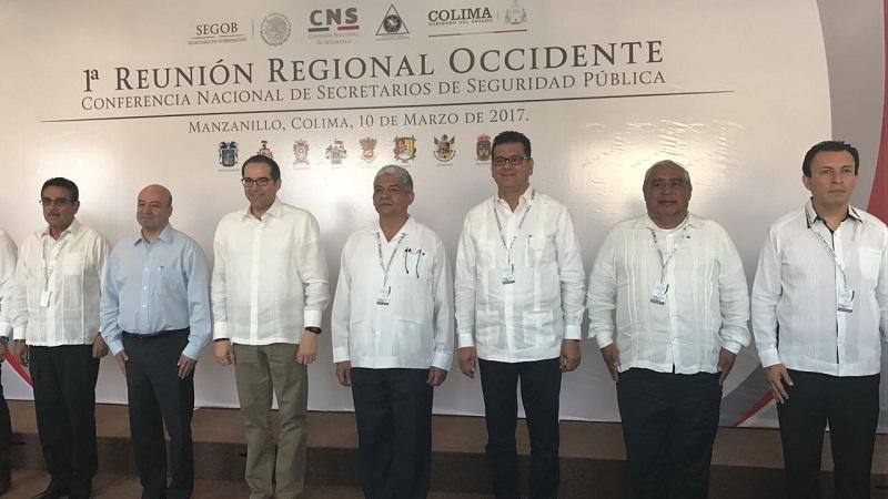 El encuentro fue encabezado por el comisionado Nacional de Seguridad, Renato Sales Heredia, así como por el gobernador de Colima, José Ignacio Peralta
