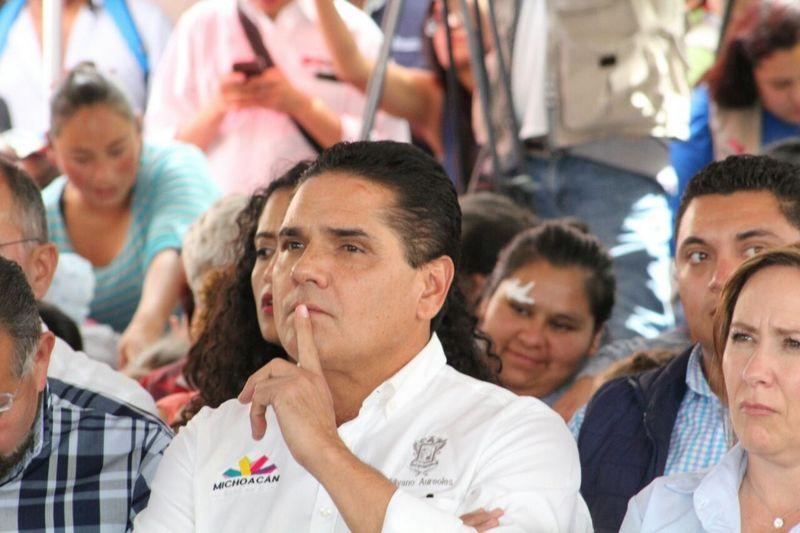 El mandatario estatal pidió al alcalde de Morelia, Alfonso Martínez que exponga un método para garantizar la seguridad en la capital michoacana, si no le gusta el Mando Único (FOTO: Mario Rebollar)