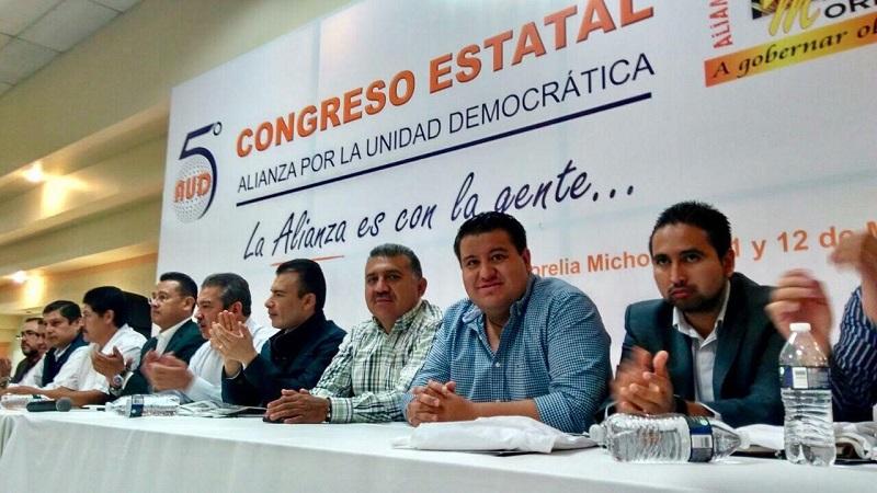 """Puebla Arévalo, recordó que la AUD, que encabeza Raúl Morón, siempre ha jugado un papel fundamental siendo factor de unidad, """"y estoy seguro que lo seguirá siendo porque México lo requiere"""""""