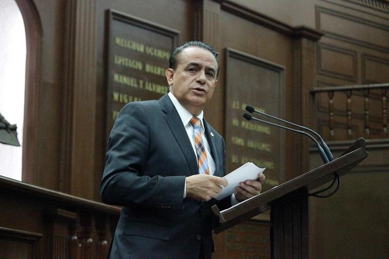 Sigala dejó claro que en la propuesta de Ley que presentará al pleno de la LXXIII Legislatura local se establece que la función notarial tiene como prioridad el beneficio de los michoacanos