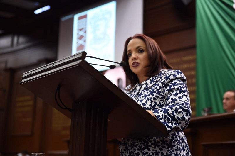 Villanueva Cano señaló que como portavoz de los ciudadanos, es obligación del Congreso local trabajar y defender los intereses y la estabilidad de los hogares michoacanos