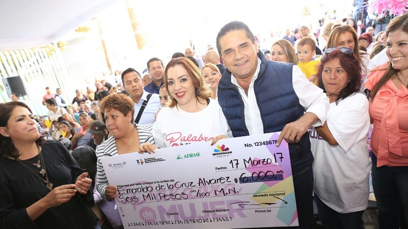 Aureoles Conejo destacó que en Morelia se han puesto en marcha diversos programas sociales para dar atención a los sectores más vulnerables como Beca Futuro, Palabra de Mujer, Un Comienzo DIFerente, Avanza DIFerente
