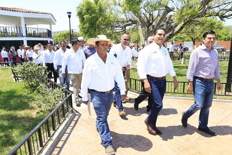 El gobierno de Silvano Aureoles se ha ganado mi confianza y la de la gente de Cenobio Moreno, asegura Jefe de Tenencia