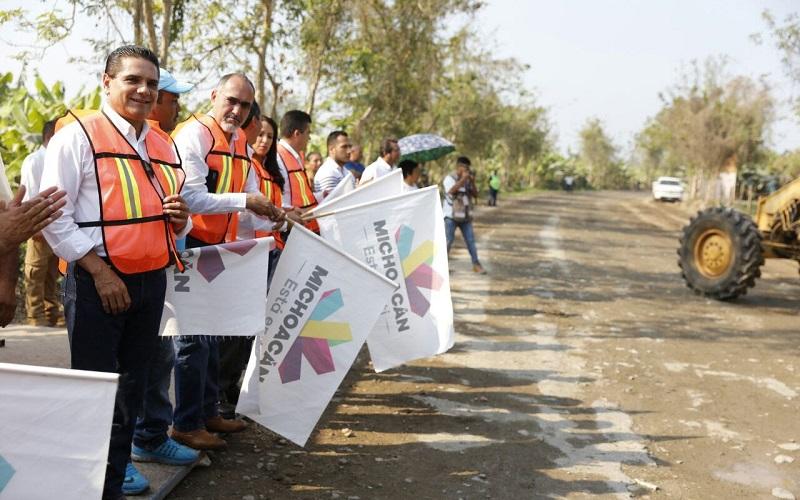 Invierten 10 mdp para camino El Ticuiz-Mezcala, obra en la que el mandatario estatal dio el banderazo de arranque