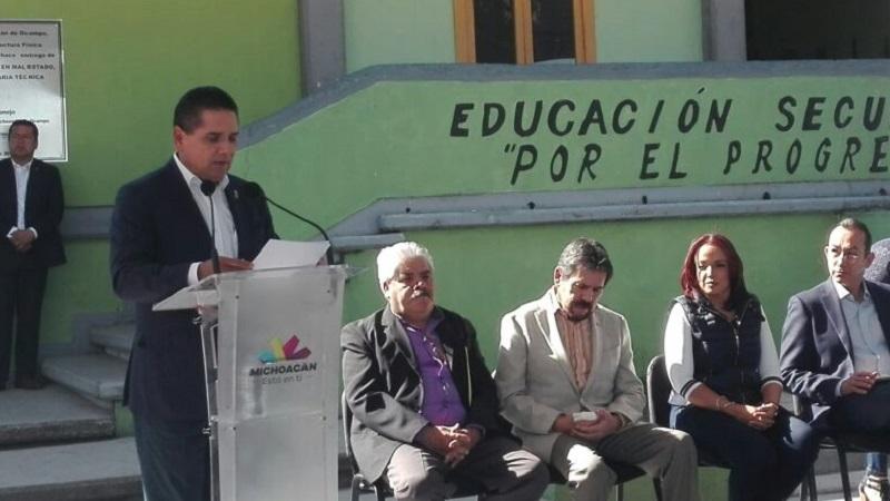 Silvano Aureoles aseguró que hay coordinación con el municipio de Morelia para trabajar en materia de seguridad, sin embargo, señaló que la propuesta que el municipio tiene para la seguridad, será complementada por las demás autoridades