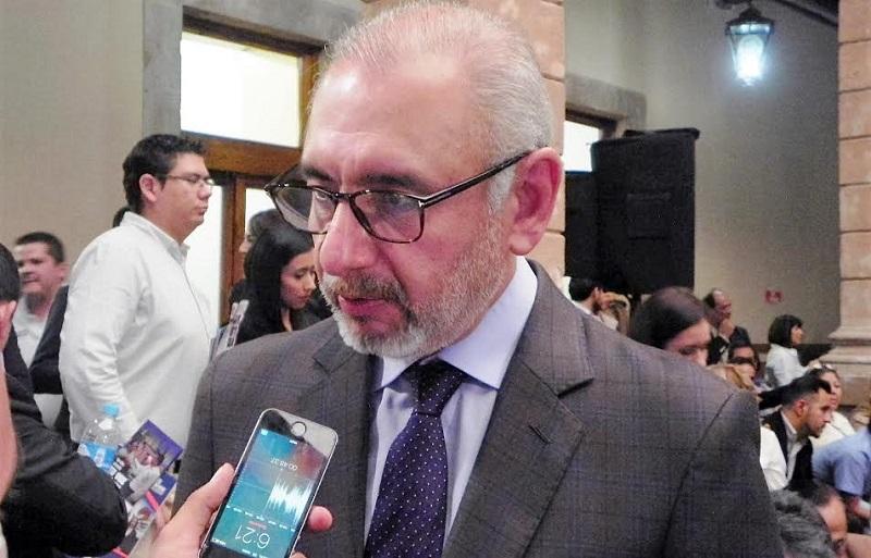 Vega Casillas mencionó que envió una carta al dirigente estatal albiazul en la entidad, José Manuel Hinojosa, solicitando su permiso para designar militantes observadores en los municipios durante el proceso de refrendo