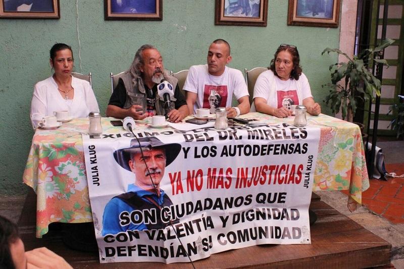 Aseguran que las fianzas fijadas en 120 mil pesos son inaccesibles para los autodefensas que siguen presos (FOTO: MARIO REBOLLAR)