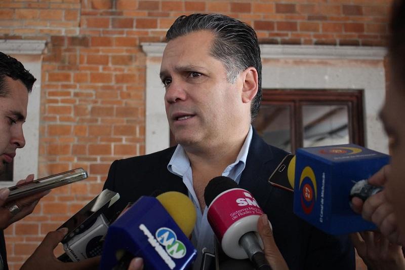 Bernal Vargas invitó a todos los industriales, no solo asociados, a que se sumen y estén al día en sus obligaciones, señalando que, quien no lo esté, puede acercarse a las oficinas del Infonavit, ya que existe mucho apoyo para obtener regularizaciones
