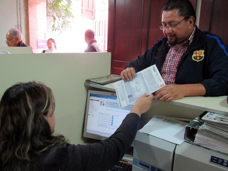 En caso de que tener alguna duda, las y los contribuyentes pueden llamar al 070 opción 2 o acudir al Departamento de Atención al Contribuyente de la SFA, ubicado en Avenida Madero número 1080