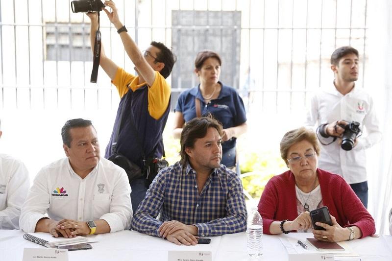 En reunión con autoridades indígenas del municipio de Uruapan, Martín García Avilés presentó el avance de 58 acciones de infraestructura, desarrollo social, desarrollo agropecuario, educación y salud