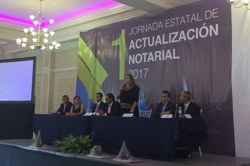 Por su parte, Luis Carlos García Estefan, presidente del Colegio de Notarios, reiteró el apoyo a los programas que se vienen trabajando en conjunto con el Ejecutivo estatal