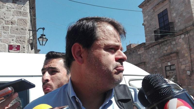 El funcionario municipal pidió que no se desvíe el tema de fondo ante estas cuestiones, el cual dijo es que haya seguridad en la capital michoacana