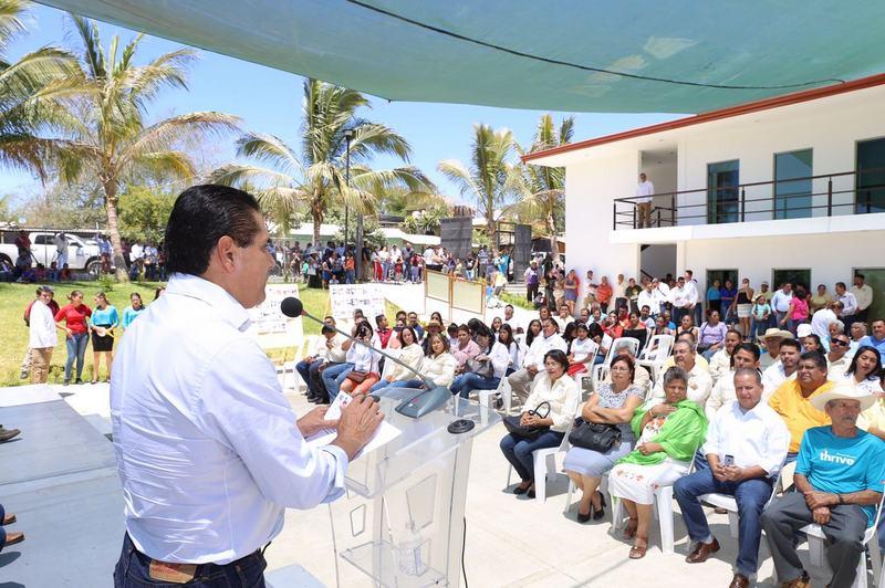 El mandatario estatal Silvano Aureoles, también inaugura la reconstrucción de la carretera Arteaga-Tumbiscatío que tuvo una inversión de más de 12 mdp