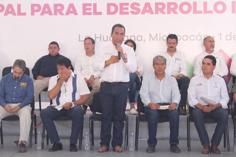 López Solís manifestó que para tomar las decisiones pertinentes a las autoridades, es también necesario que se tenga el aval de los ciudadanos, porque es la única forma en la que se puede tener una correlación directa entre la toma de determinaciones