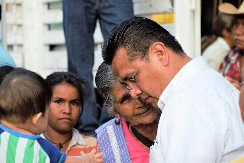"""""""La iniciativa de reforma a la Ley Orgánica de la Administración Pública del Estado de Michoacán, marca la pauta para eficientar la atención a la sociedad"""": Torres Piña"""
