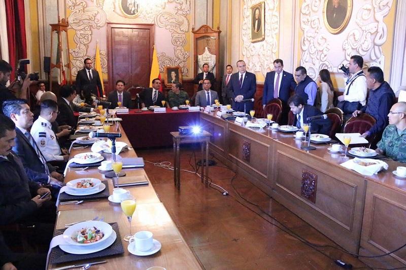 Martínez Alcázar reiteró que la administración que encabeza le apuesta a la prevención como la línea fundamental para abatir los índices delincuenciales al brindar alternativas de desarrollo a las personas en riesgo