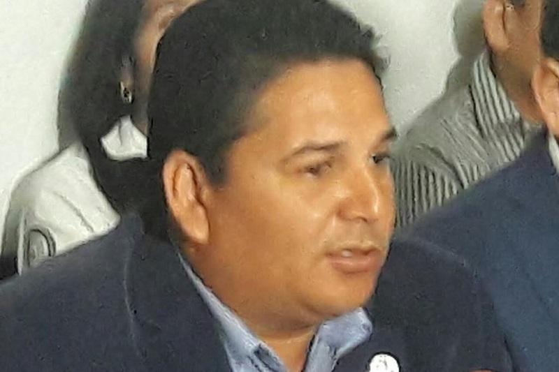 Mendoza Andrade se dijo preocupado por la situación ya que en caso de hacer efectivo el recorte, afectaría en todos los rubros a los trabajadores