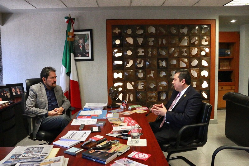 Barragán Vélez resaltó que es fundamental mantener la estabilidad de los trabajadores, tal y como lo había comprometido con los sindicatos de Profesionistas y Único de Trabajadores del Telebachillerato Michoacán