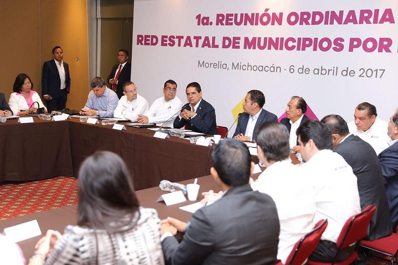 El jefe del Poder Ejecutivo en la entidad, resaltó que todos los acuerdos y las acciones que concrete la Red Estatal de Municipios por la Salud ayudarán en mucho a mejorar este rubro