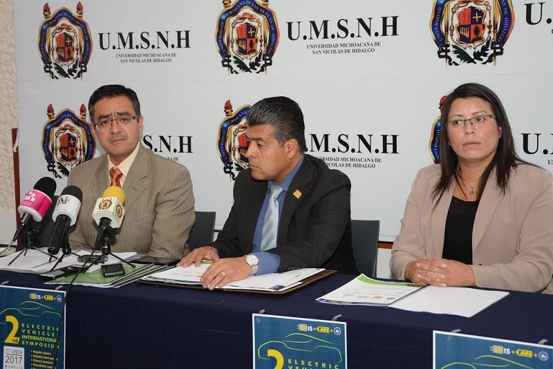 A diferencia de otras ocasiones donde es común que se traigan eventos organizados en otras universidades, esta vez estamos presentando un evento que nació en la Universidad Michoacana con el propósito de intercambiar ideas entre la industria, las universidades y los usuarios