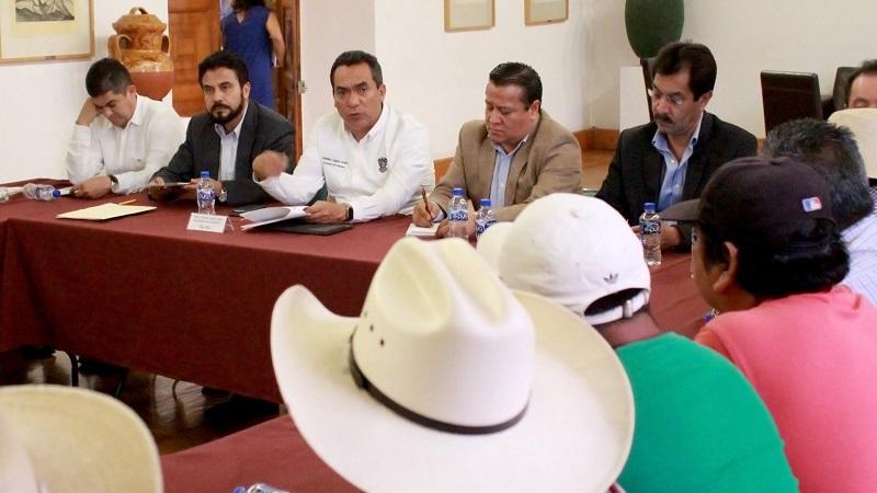 López Solís dijo que en el año y siete meses de la presente administración se ha desarrollado un trabajo intenso de colaboración entre las dependencias federales y estatales, para juntos implementar la estrategia de seguridad que ofrezca resultados a Michoacán