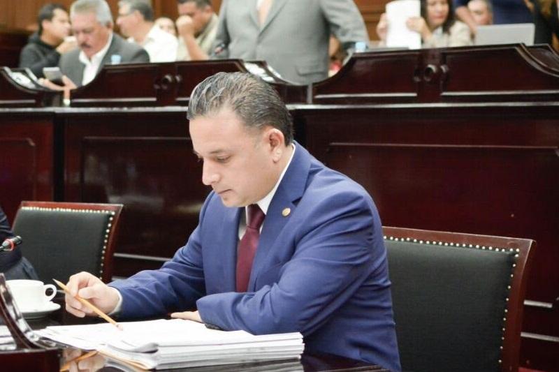 Carlos Quintana reconoció que la crisis de credibilidad y eficacia que padecen las instituciones, obliga a todos los entes gubernamentales, desde sus respectivas competencias, transparentar la manera de hacer su trabajo y brindar los mejores resultados en materia de fiscalización y rendición de cuentas