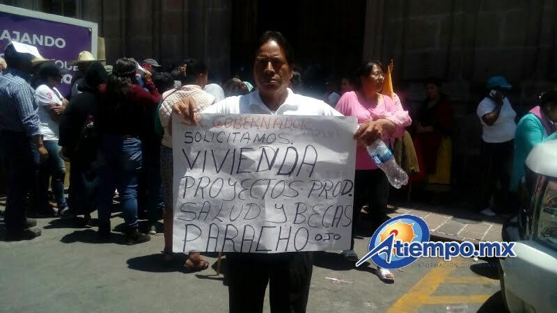 Los manifestantes marcharon de Palacio de Gobierno hacia el Palacio Legislativo, la Fuente de Las Tarascas y la Delegación de la Sagarpa en Michoacán