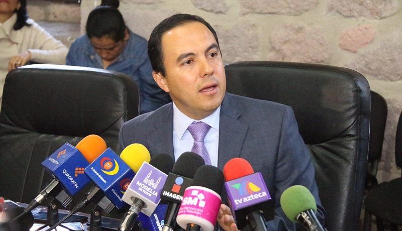 El alcalde de Morelia, Alfonso Martínez, ha dado puntual seguimiento para garantizar la salud de la funcionaria y brindar todas las atenciones posibles para su pronta recuperación y esclarecimiento de los hechos